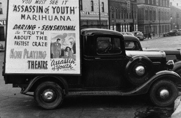 Trailer advertising 1930s style.